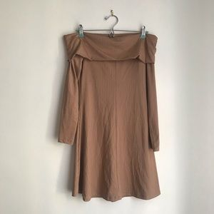Off the shoulders tan dress from H&M